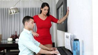 Piyano Hocası İle Öğrencisi Sikişiyor